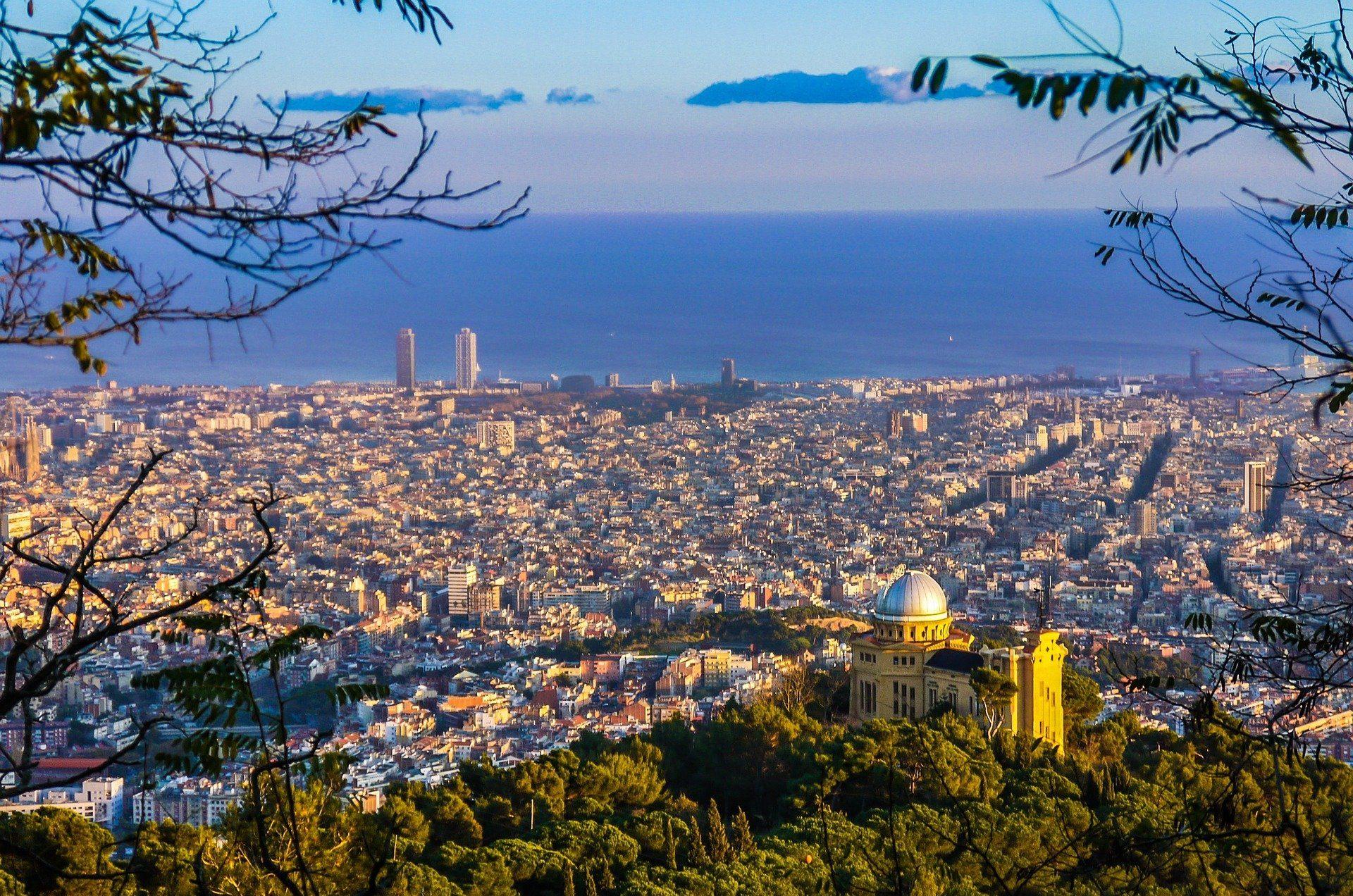 barcelona-838716_1920